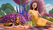 Bee-movie-disneyscreencaps.com-3560