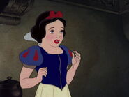 Snow-white-disneyscreencaps.com-8129