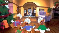 Mickey-once-upon-christmas-disneyscreencaps.com-772