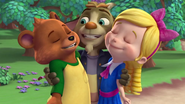 Billy Bear Goldie Hug