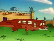 Giant Lizard Bus