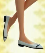 Chloe's feet by ABEaly2