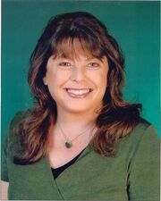 Dawn Lyn (headshot)