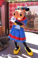 Walt-Disney's-Clarabelle-jan2011