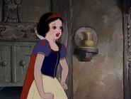 Snow-white-disneyscreencaps.com-1719
