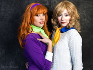Cosplay-scoobydoo-daphne-fred-01