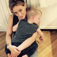 Rs 1024x1024-170926115713-1024-hilary-duff-luca-2