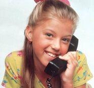 Stephanie-tanner-full-house-10831817-400-377