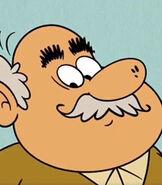 Grandpa-hector-the-casagrandes-9.87