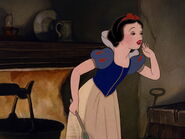 Snow-white-disneyscreencaps.com-5451