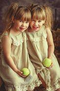 6282bea69193877956389444adef6dde--identical-twins-kiel