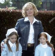 Apr-11-2003-hollywood-ca-usa-image-from-director-shawn-levys-family-F6JA91