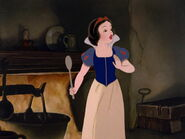 Snow-white-disneyscreencaps.com-5446