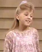 Stephanie-Tanner-full-house-1172666 266 329