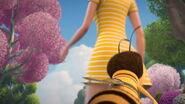 Bee-movie-disneyscreencaps.com-3569