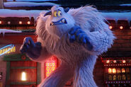 Trailers-smallfoot-post-crown-paddington