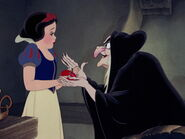 Snow-white-disneyscreencaps.com-8671