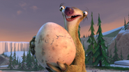 Sid sounds hatching egg