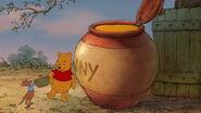 Winnie-the-pooh-disneyscreencaps.com-6032