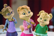 The-chipettes-brittany-miller-33470368-652-437
