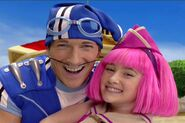 Stephanie and Sportacus by hidroelektra