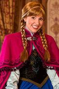 Anna-Disney-World -MK (crop)