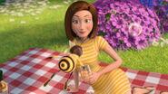 Bee-movie-disneyscreencaps.com-3523