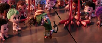 Storks-disneyscreencaps.com-9014