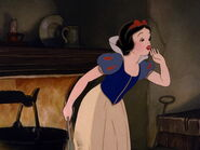 Snow-white-disneyscreencaps.com-5449