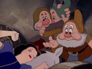 Snow-white-disneyscreencaps.com-4004