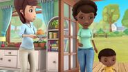 Doc-McStuffins-Season-2-Episode-13-The-Big-Sleepover--No-Sweetah-Cheetah