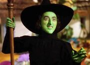 Margaret-Hamilton-wizard-of-oz-still-from-movie