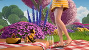 Bee-movie-disneyscreencaps.com-3568
