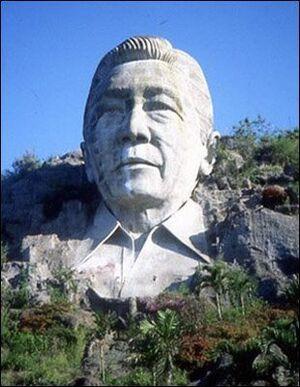 Diosdado-Hortal-Statue