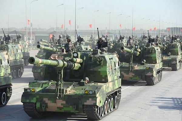 File:He Self Propelled Field-Artillery.jpg