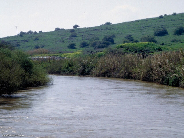 File:Sacred-jordan-river-0106.jpg