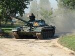 1024px-Romanian T-72M tank