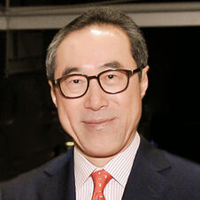Celebrity-20130129125401-399HenryTang cropped 300x300