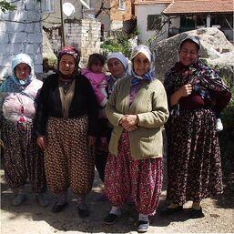 Rural Jakanian women