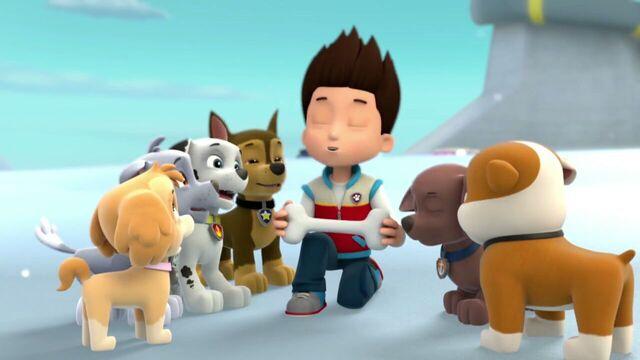 File:PAW.Patrol.S01E16.Pups.Save.Christmas.720p.WEBRip.x264.AAC 1353652.jpg