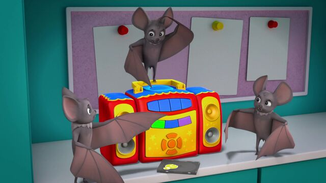 File:Party Bats 10.jpg