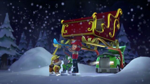File:PAW.Patrol.S01E16.Pups.Save.Christmas.720p.WEBRip.x264.AAC 880012.jpg