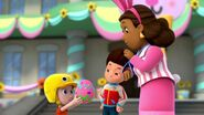 PAW.Patrol.S01E21.Pups.Save.the.Easter.Egg.Hunt.720p.WEBRip.x264.AAC 630964