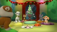 PAW.Patrol.S01E16.Pups.Save.Christmas.720p.WEBRip.x264.AAC 295562