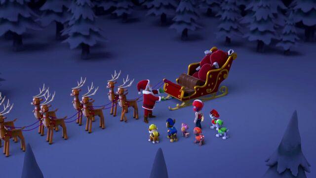 File:PAW.Patrol.S01E16.Pups.Save.Christmas.720p.WEBRip.x264.AAC 1177109.jpg