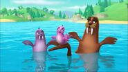 PAW Patrol - Wally the Walrus - Walinda and Baby Walrus Pup