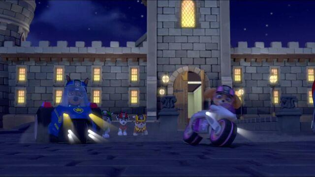 Plik:Quest for the Crown 99.jpg