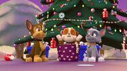 PAW.Patrol.S01E16.Pups.Save.Christmas.720p.WEBRip.x264.AAC 141608