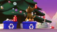 PAW.Patrol.S01E16.Pups.Save.Christmas.720p.WEBRip.x264.AAC 104671
