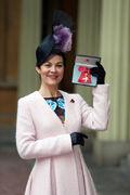 Helen+McCrory+Investiture+att+Buckingham+Palace+M9JYjJQPyxol